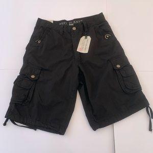 Free Planet Black Cargo Shorts size 32 100% cotton